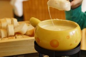 Ein Fondue Set für Käsefondue wird in Deutschland eher selten verkauft